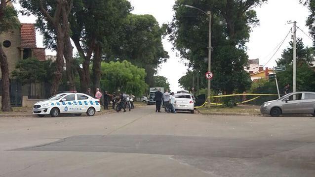 Tiroteo frente a la casa de Jorge Vázquez termina con un delincuente herido
