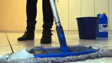 Rige aumento salarial de 5,31% para las trabajadoras domésticas desde enero