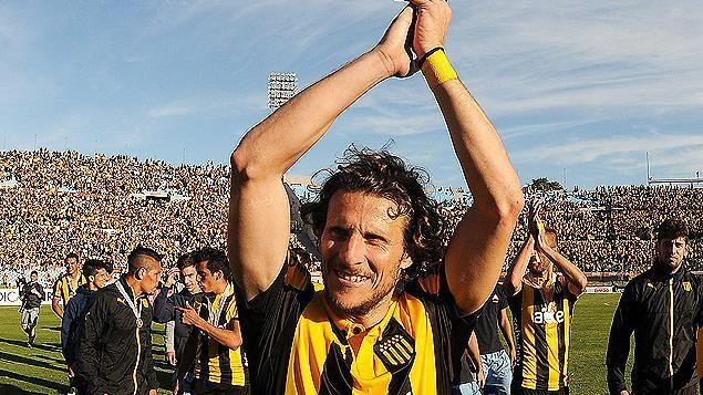 Forlán durísimo con dirigentes de Peñarol por frustrar su regreso al club