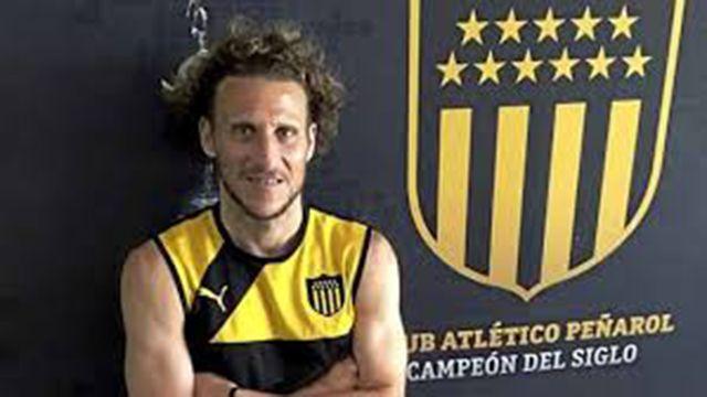 Leo Ramos ofrece a Diego Forlán regresar a Peñarol