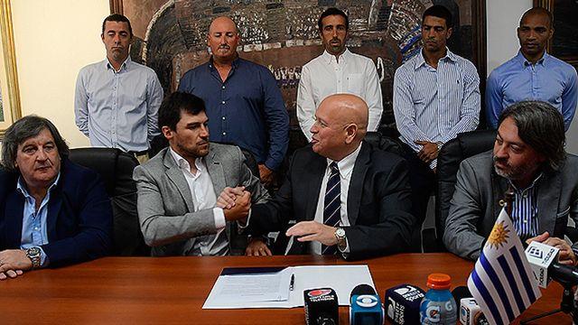 Asumió Alexander Medina y debutará en enero contra Peñarol por la Supercopa