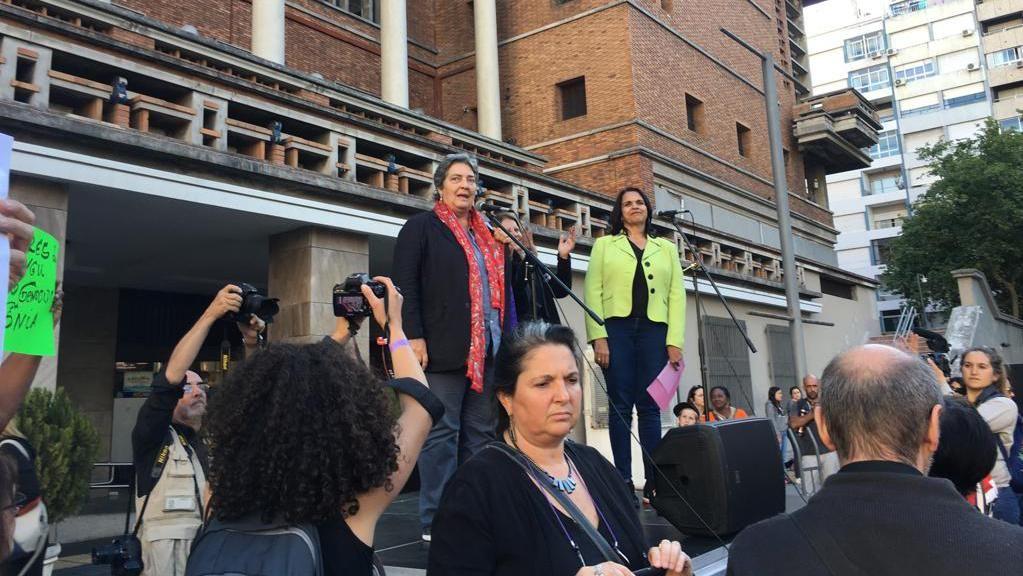 Miles marcharon por 18 de Julio contra la violencia hacia las mujeres