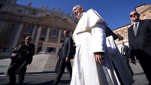 Papa prohíbe la venta de cigarrillos en el Vaticano