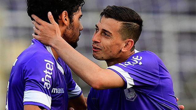 Defensor goleó, sigue cerca de Peñarol en el Clausura y lidera la Anual