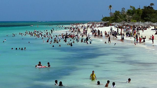 Muere por ataque de tiburón frente a sus amigos en playa turística de Cuba