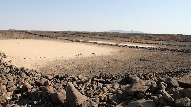 Las misteriosas estructuras de piedra halladas en medio del desierto