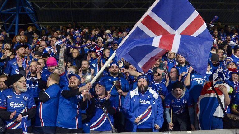 Carismática selección de Islandia clasificó a un Mundial por primera vez
