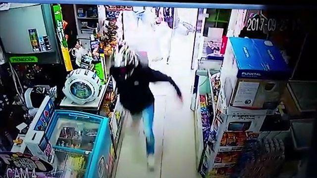 Así hirieron y capturaron a un rapiñero que se quiso esconder en un super