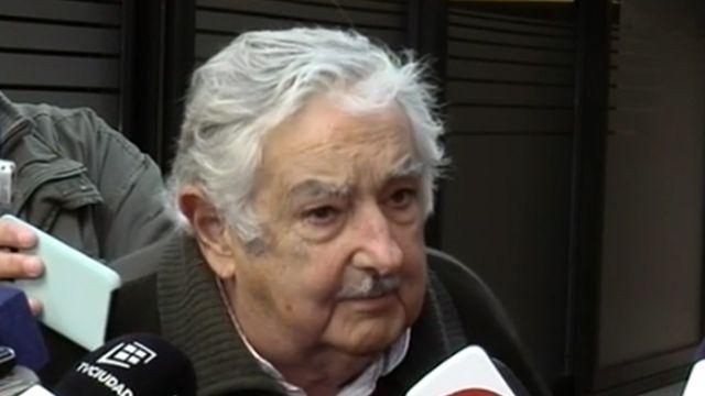 """Mujica: """"Yo vi los papeles de los cursos que hizo Sendic, le falta la tesis"""