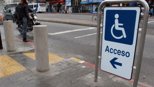 Funcionaria de baja estatura inicia juicio por discriminación a la IM