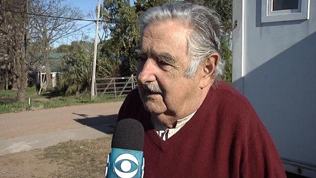 """Mujica cree que quieren """"matar burocráticamente"""" la ley de marihuana"""