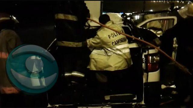 Conductor de 38 años falleció tras chocar contra columna en Ruta 102