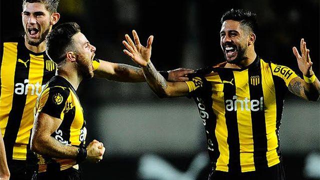 Peñarol derrotó a Danubio por 1 - 0 con gol de Nahitan Nández