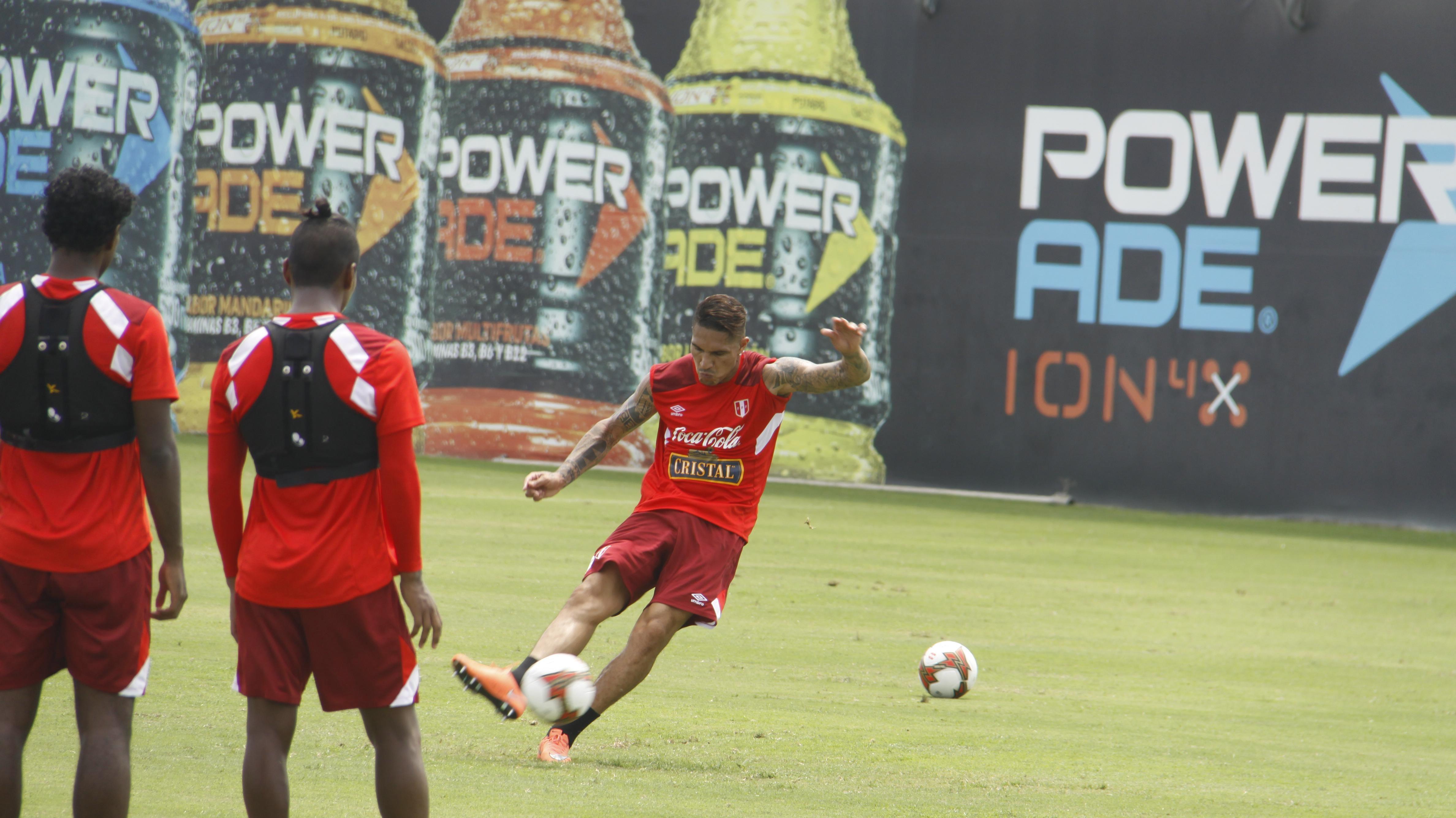 Perú con cambios en defensa ante Uruguay; ensaya tiros libres y definición