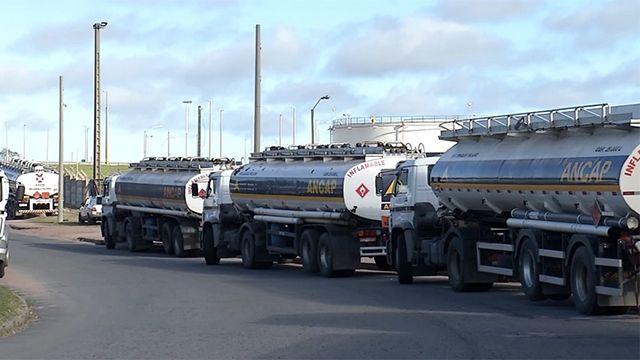 Sindicato levantó el bloqueo a La Tablada y vuelven a distribuir combustible