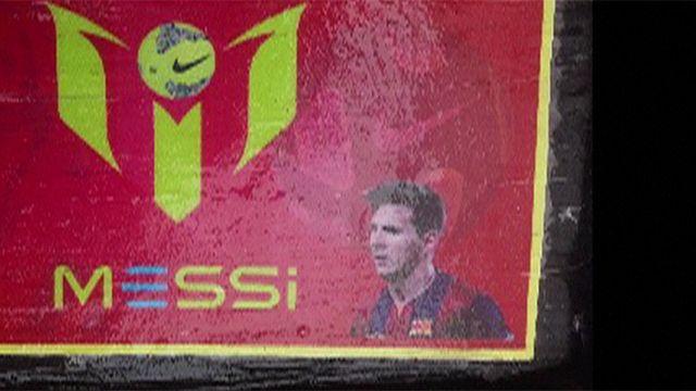 Decomisan casi dos toneladas de ladrillos de cocaína con la cara de Messi