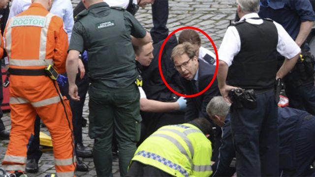 Ministro que socorrió al policía había perdido un hermano en un atentado