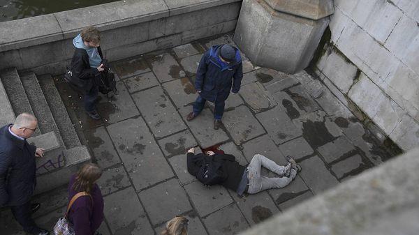 Policía sospecha de terrorismo islamista en atentado que dejó cinco muertos