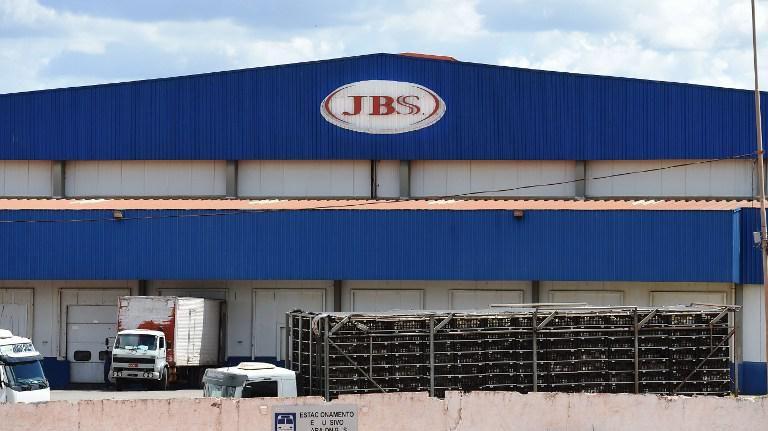 Gobierno analiza perjuicios de la venta de carne adulterada desde Brasil
