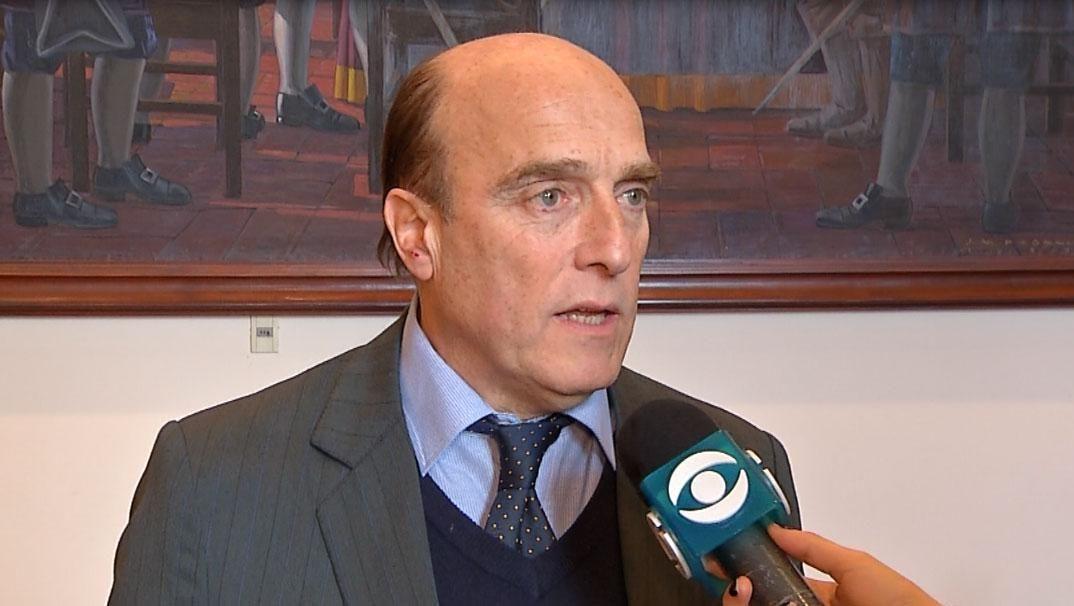 Aumento del boleto provocó una caída de la aprobación de Daniel Martínez