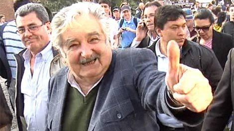 Mujica es el único de los líderes políticos que no perdió popularidad