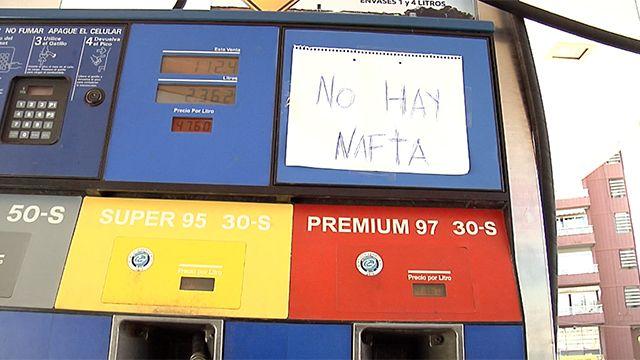 Estaciones de servicio de Montevideo racionan el combustible que les queda