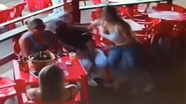 La brutal trifulca que se generó a partir de una mujer celosa en Brasil