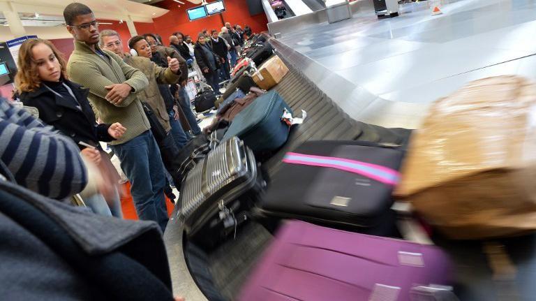 Justicia de Brasil impide a aerolíneas cobrar una tasa extra por equipaje