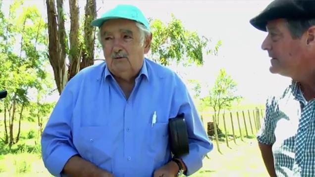 Mujica compartió asado en Soriano con ex intendentes de todos los partidos