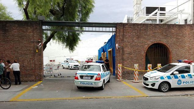 Un guardia herido de bala en violento asalto al Macro Mercado de San Martín