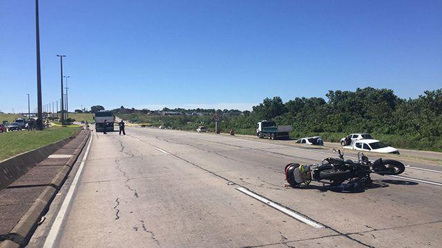 Adolescente y su hijo de 5 meses murieron tras chocar en moto con un camión