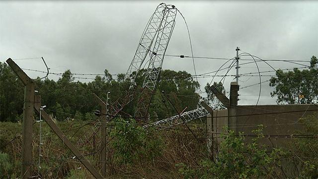 Fuertes vientos tumbaron la antena de Radio Universal