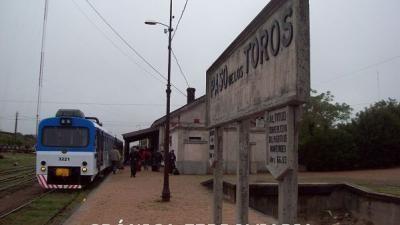 Paro de AFE dejó a pie a técnicos de UPM que querían relevar vías de tren