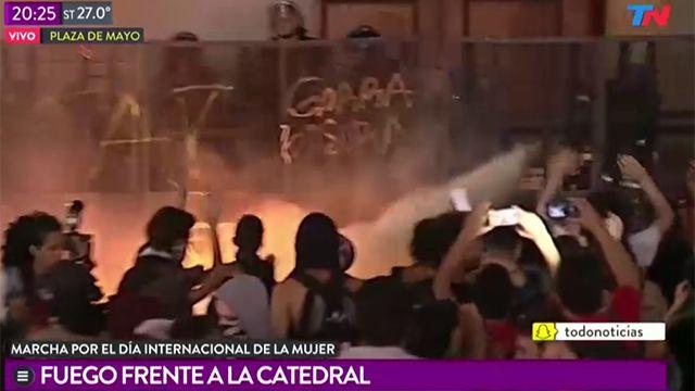 Marcha contra la violencia machista en Buenos aires terminó con incidentes