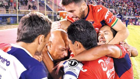 DT de Wilsterman lloró de la emoción después del 6-2 ante Peñarol
