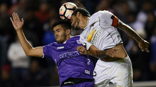 Defensor y la Liga de Quito empataron 2-2 en la altura por la Sudamericana