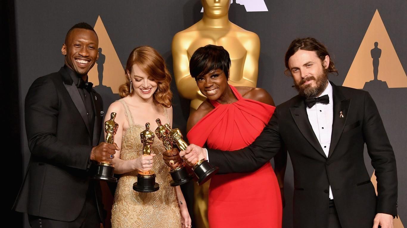 Oscar 2017 convulsionado: ganó Moonlight pero citaron a La La Land