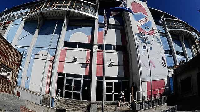 Nacional-River suspendido tras agresión a funcionario de recaudación