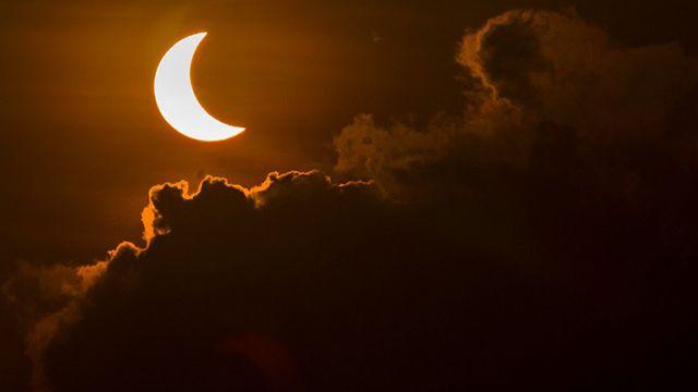 Hasta las 12:30 puede verse en todo el país el eclipse parcial de Sol