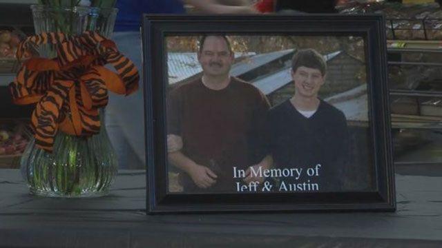 Padre e hijo murieron al chocar de frente sus respectivos autos en Alabama