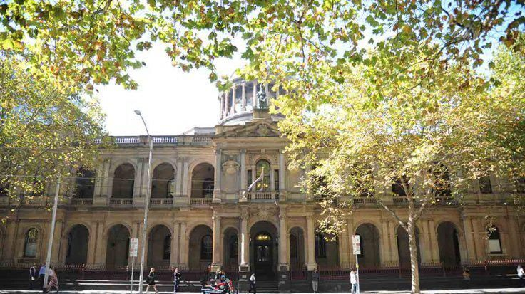 Australiano mató a hija al pisarla con furia; confesó 7 meses después