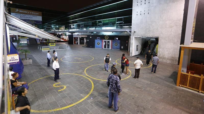 Francotirador mató a cuatro personas e hirió otras 10 en shopping de Lima