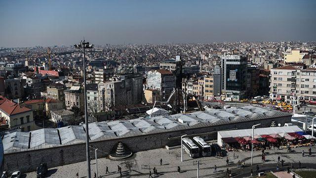 Un niño muerto y varios heridos en atentado con auto bomba en Turquía