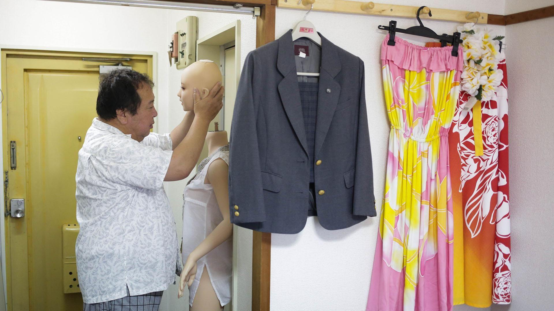 Empresario japonés dejó a su familia por una muñeca de 5.000 dólares