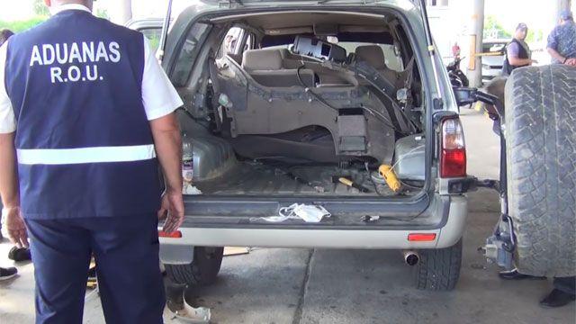 Dos detenidos cuando pretendían ingresar al país más de 12 kilos de cocaína