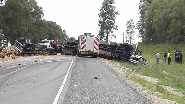 Un hombre falleció al impactar su auto contra un camión en Ruta 3