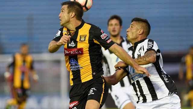 Wanderers se despidió de la Libertadores: cayó 4-0 ante The Strongest