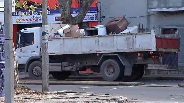 La IM investiga a tres municipales por maniobras irregulares con residuos