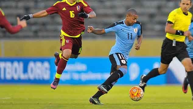 Uruguay perdió 0-3 con Venezuela y el campeonato se define el sábado