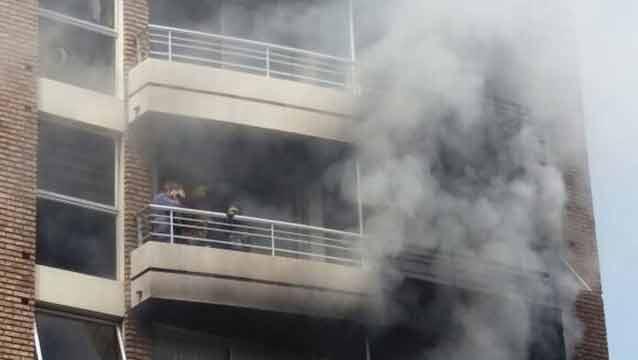 Dramático rescate de heridos por incendio en edificio de Pocitos